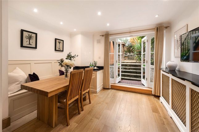 Dining Room of Victoria Grove, Kensington, London W8