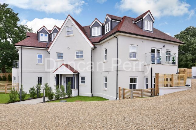 Thumbnail Flat for sale in Swan Lodge, Bell Bar, Brookmans Park, Herts