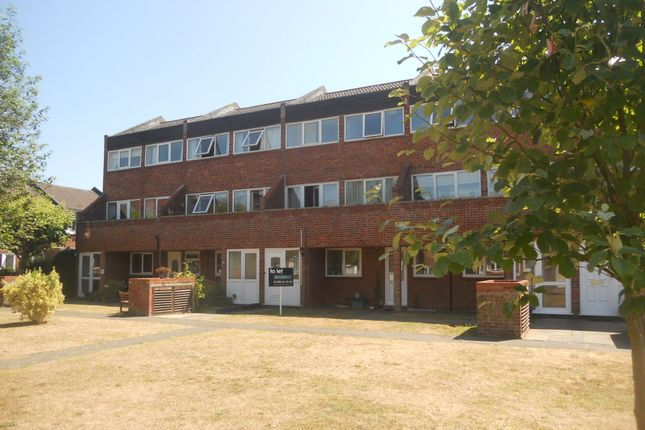 Thumbnail Maisonette to rent in Templemere, Norwich