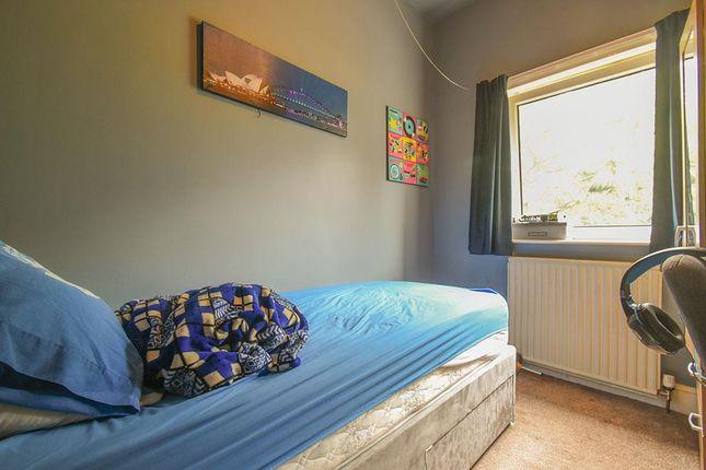 Bed-4 of Ravenswing Avenue, Blackburn BB2