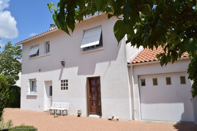 4 bed property for sale in Ruffec, Poitou-Charentes, 16700, France