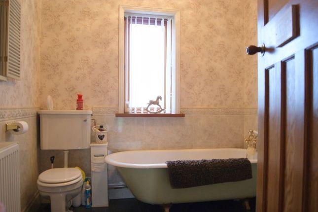 Bathroom of Ollerton Road, Little Carlton, Newark NG23