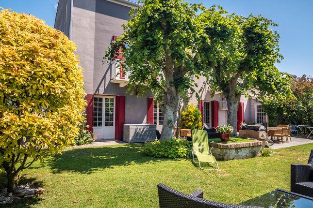 Thumbnail Villa for sale in Vaux-Sur-Mer, Charente-Maritime, Nouvelle-Aquitaine