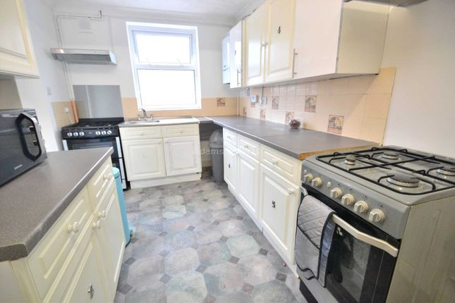Thumbnail Semi-detached house to rent in Boston Avenue, Reading, Berkshire