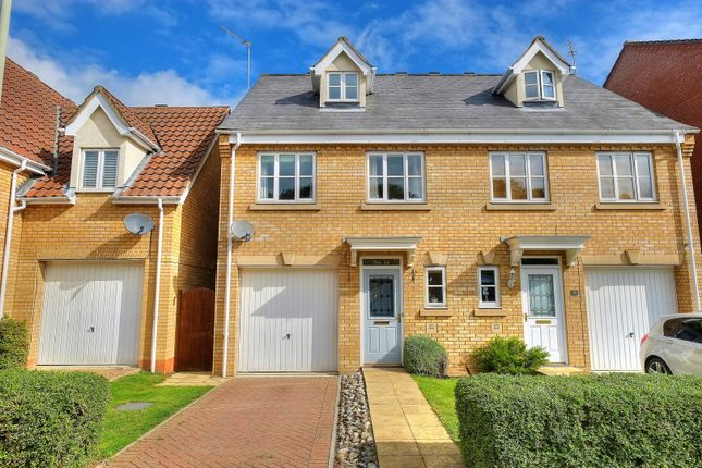 Thumbnail Town house for sale in Stirling Road, Norwich