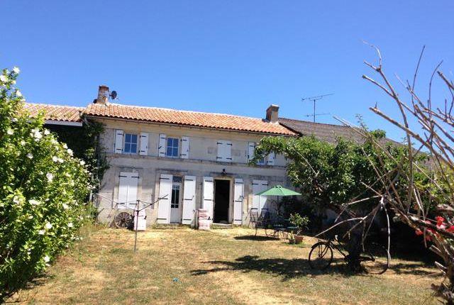 2 bed cottage for sale in St Aigulin, Saint-Aigulin, Montguyon, Jonzac, Charente-Maritime, Poitou-Charentes, France