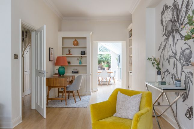 Thumbnail Town house to rent in Radipole Road, London