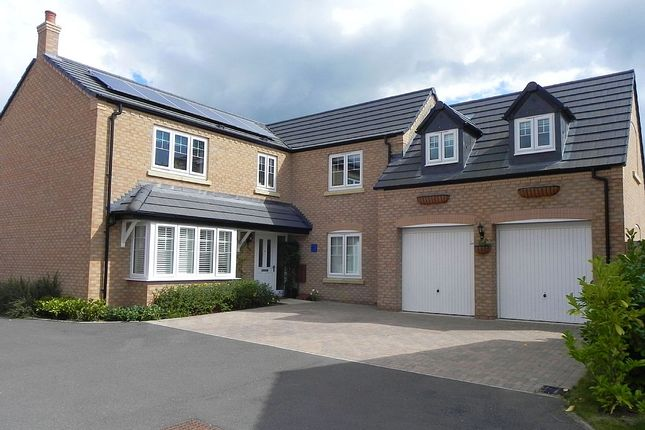 Thumbnail Detached house for sale in Chestnut Way, Bidford-On-Avon, Alcester, Warwickshire