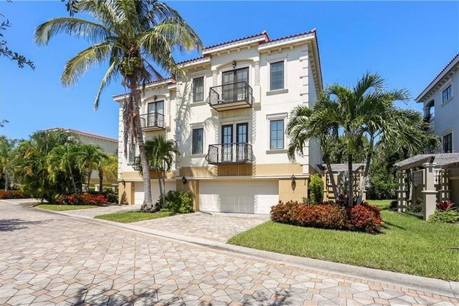 Town house for sale in 206 52nd St #3, Holmes Beach, Florida, United States Of America