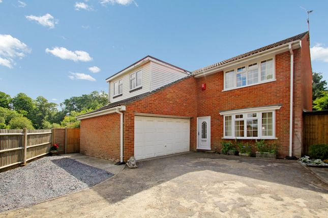 Thumbnail Detached house to rent in Tinsley Lane, Crawley