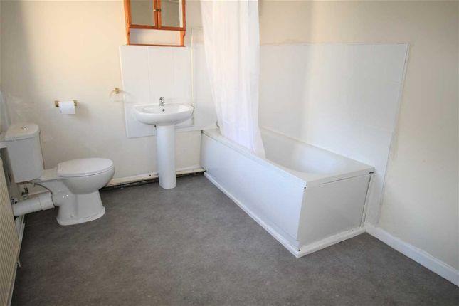 Bathroom of Brook Street, Tonypandy CF40