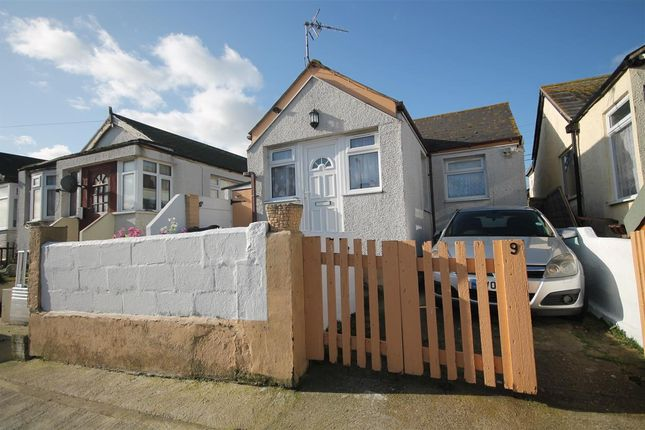 Main Picture of Riley Avenue, Jaywick, Clacton-On-Sea CO15