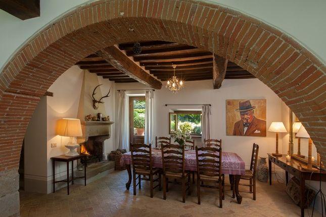 Dining Room 2 of Casa Molino, Anghiari, Tuscany