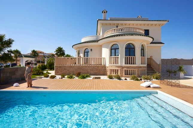 Thumbnail Villa for sale in Quesada, Alicante, Spain