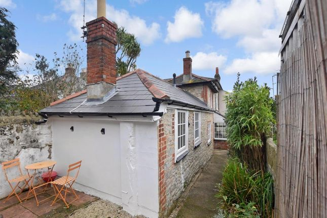 Thumbnail Cottage to rent in Monkton Street, Ryde