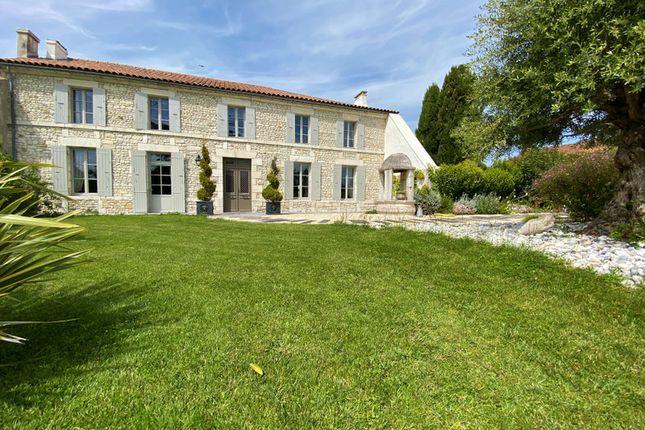 Thumbnail Villa for sale in Breuillet, Charente-Maritime, Nouvelle-Aquitaine