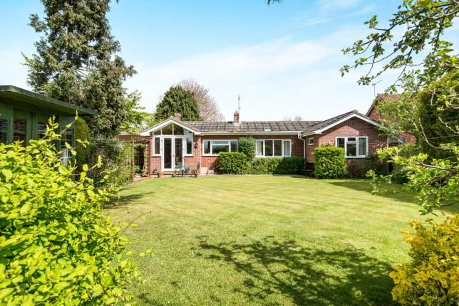 Thumbnail Bungalow for sale in Surlingham, Norwich, Norfolk