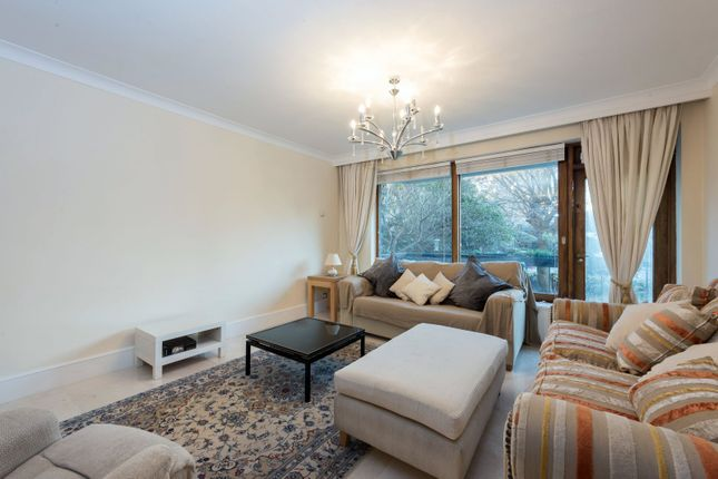 3 bed flat to rent in Saint John's Avenue, Putney