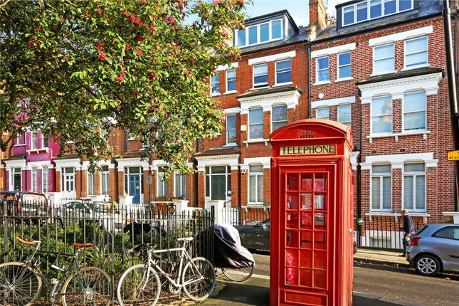 Picture No. 11 of Primrose Gardens, London NW3
