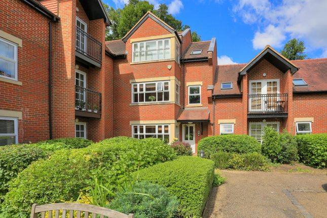 Thumbnail Flat for sale in Trevelyan Place St. Stephens Hill, St. Albans