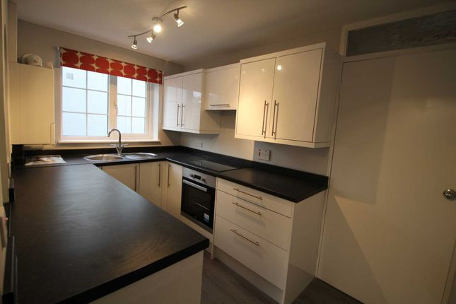 Thumbnail Flat to rent in Russell Place, Hemel Hempstead