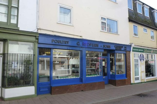 Retail premises to let in Teignmouth, Devon