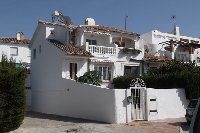 3 bed town house for sale in Calle Ruta Del Melocoton, Torre Del Mar, Málaga, Andalusia, Spain