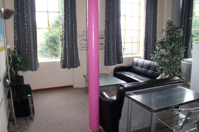 Thumbnail Shared accommodation to rent in Russell Street, Nottingham
