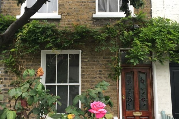 Thumbnail Terraced house to rent in Mile End Place, London