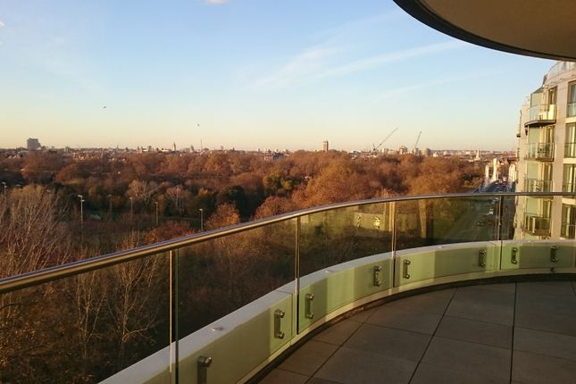 Thumbnail Flat for sale in Battersea, London