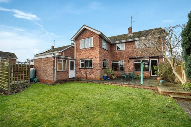 Picture No. 20 of Paddock Close, Pershore, Worcestershire WR10