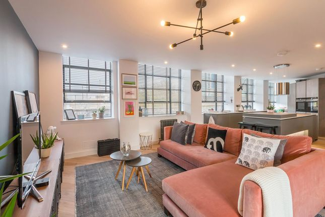 Thumbnail Flat to rent in Queensway House, Livery Street