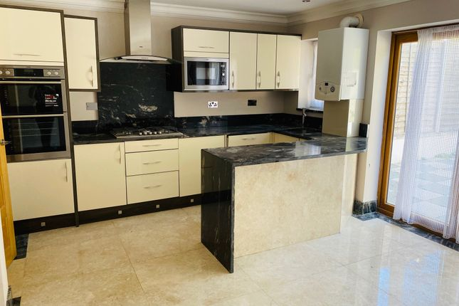 Thumbnail Detached house for sale in Convington Way, Norbury