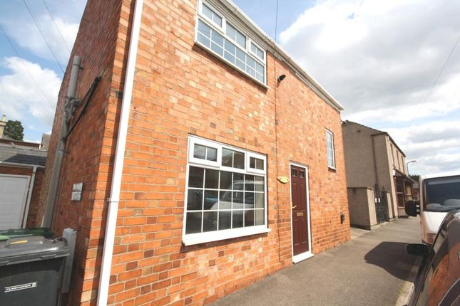 Thumbnail Detached house to rent in Albion Terrace, Sleaford, Lincolnshire