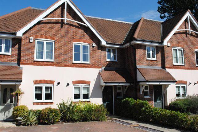 Thumbnail Terraced house to rent in Amberley Gardens, Wokingham