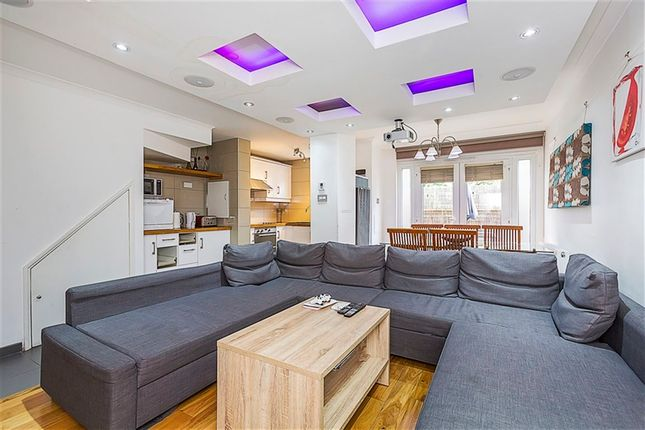 Thumbnail Property to rent in Moody Street, Stepney Green, London