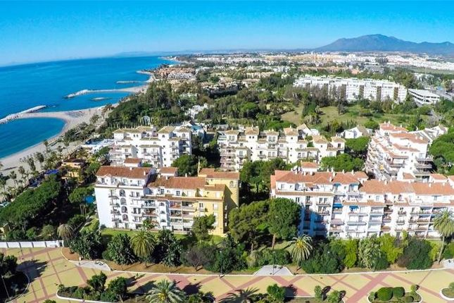 1 bed apartment for sale in Nueva Andalucia, Marbella, Malaga, Spain