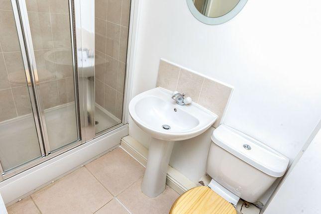 En Suite of Windermere Close, Wallsend, Tyne And Wear NE28