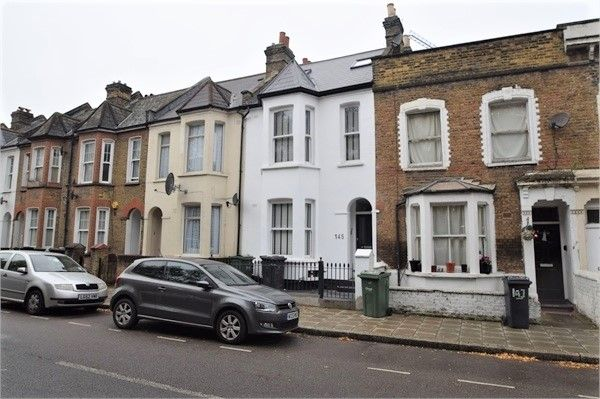 Thumbnail Triplex to rent in Shakespeare Road, Herne Hill