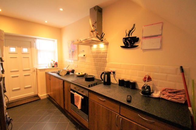 Image: 3 of Cross Keys Mews, Half Penny Lane, Pontefract, Yorkshire WF8