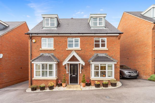 5 bed detached house for sale in Larkspur Drive, Burgess Hill RH15
