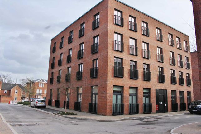 2 bed flat to rent in Friars Orchard, Gloucester GL1