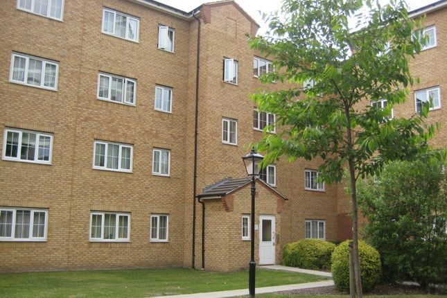 1 bed flat to rent in Gidea Park, Romford