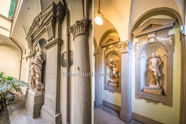 50 bed town house for sale in Florence, Tuscany, Italy