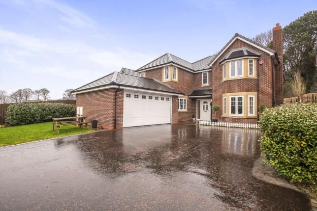 Thumbnail Detached house for sale in Farington Lodge Gardens, Farington, Leyland, Preston