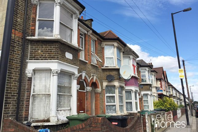 Thumbnail Flat to rent in Shelbourne Road, London