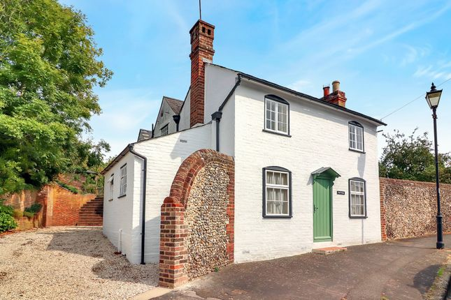 Thumbnail Detached house for sale in Piccotts End, Hemel Hempstead