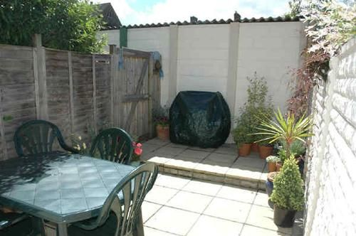 2 Bed Flat To Rent In South Park Road Wimbledon