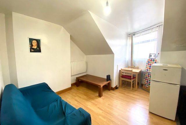 Thumbnail Flat to rent in Walm Lane, Willesden
