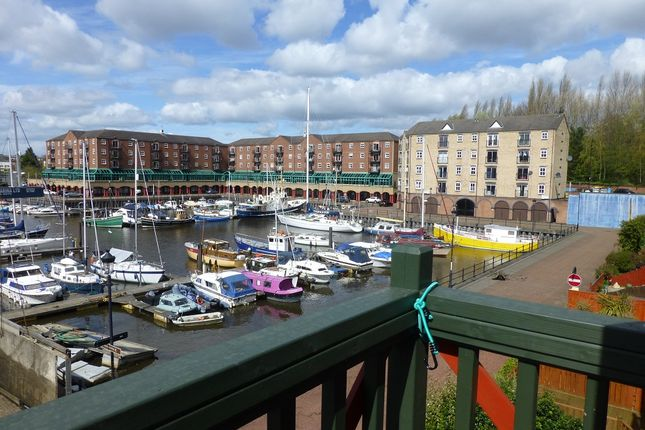 3 bed town house to rent in Trinity Court Yard, St Peter's Basin, Newcastle Upon Tyne NE6